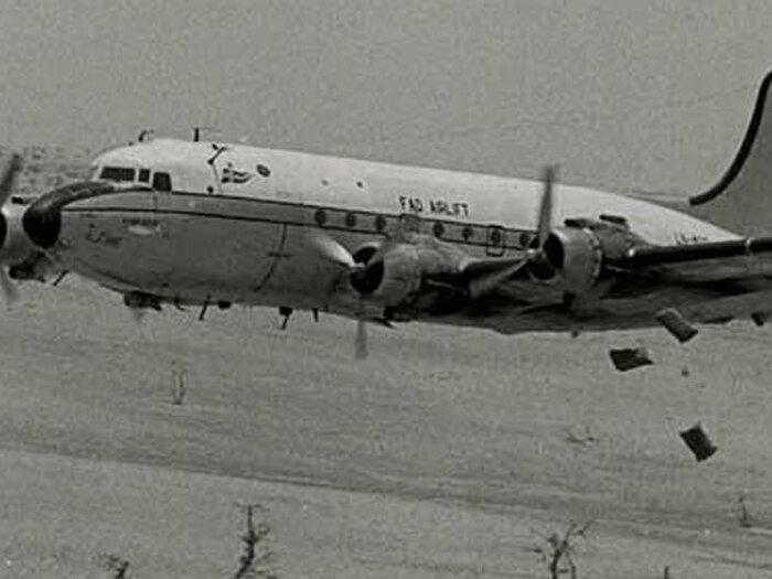 Foto von Flugzeug schwarz-weiß