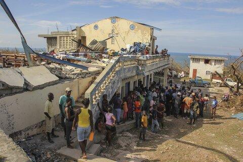 Überforderte Helfer, Spender, Opfer: Warum eine Revolution der humanitären Hilfe nötig ist