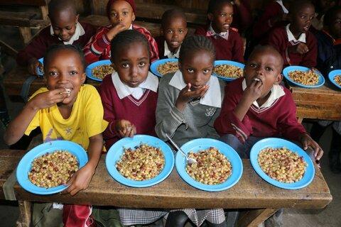 Teller statt Tonne! Gerettetes Gemüse ernährt tausende Schulkinder in Kenia