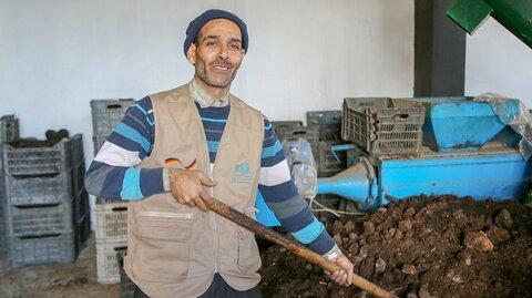 Wie handgemachte Briketts Feuer und Erinnerungen im Libanon aufflammen lassen