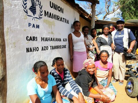 Von Maniok zu Gari – Eine neue Speise bekämpft den Hunger
